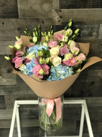 Pury Hand-Tied Bouquet