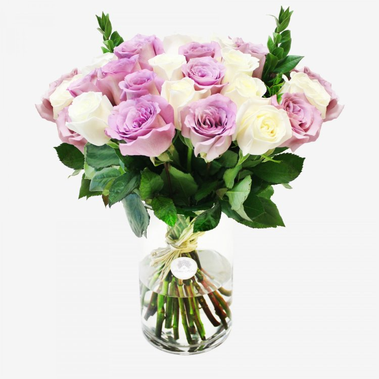 30 White And Purple Roses Bouquet