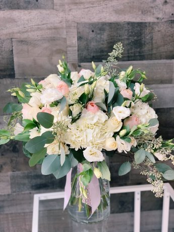 CasaBlanco Hand-tied Flower Bouquet